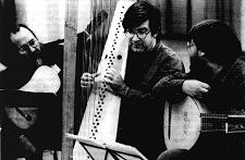 Andrew Lawrence-King with the Harp Consort